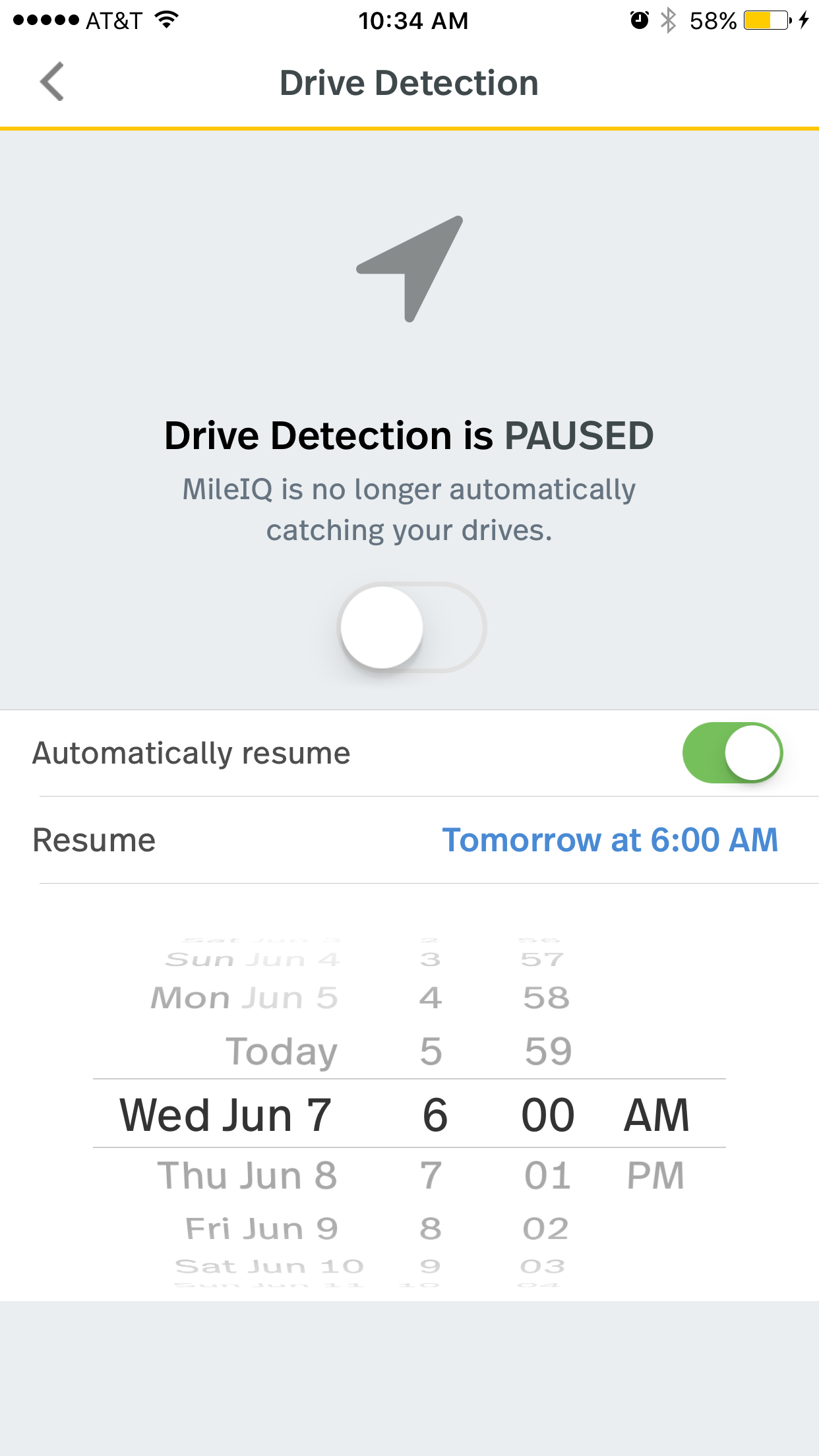 This image shows the drive detection page on the mobile app, showing the automatically resume toggle switched to green and a calendar selection to set a date to auto resume drive detection.